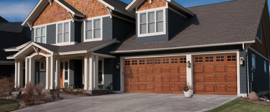 Garage doors shreveport bossier city la arklatex for Beautiful garage doors